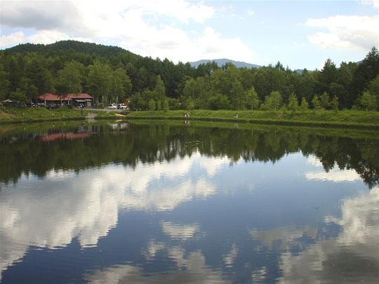 山荘わたりHPトップ_松本奈川 高ソメキャンプ場の池